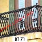 Pret-balustrada-balcon_din_fier_cu_elemente_curbate