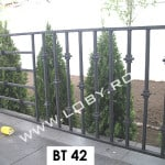 Pret-balustrada-balcon_fier_forjat_cu_piramide