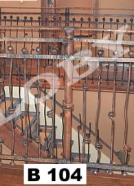 balustrada-forjata-cu-bile-si-rasucituri