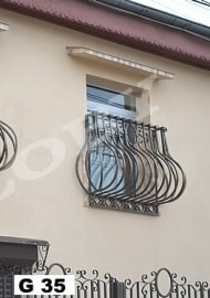 grilaje-fier-forjat-balcon-jardiniera