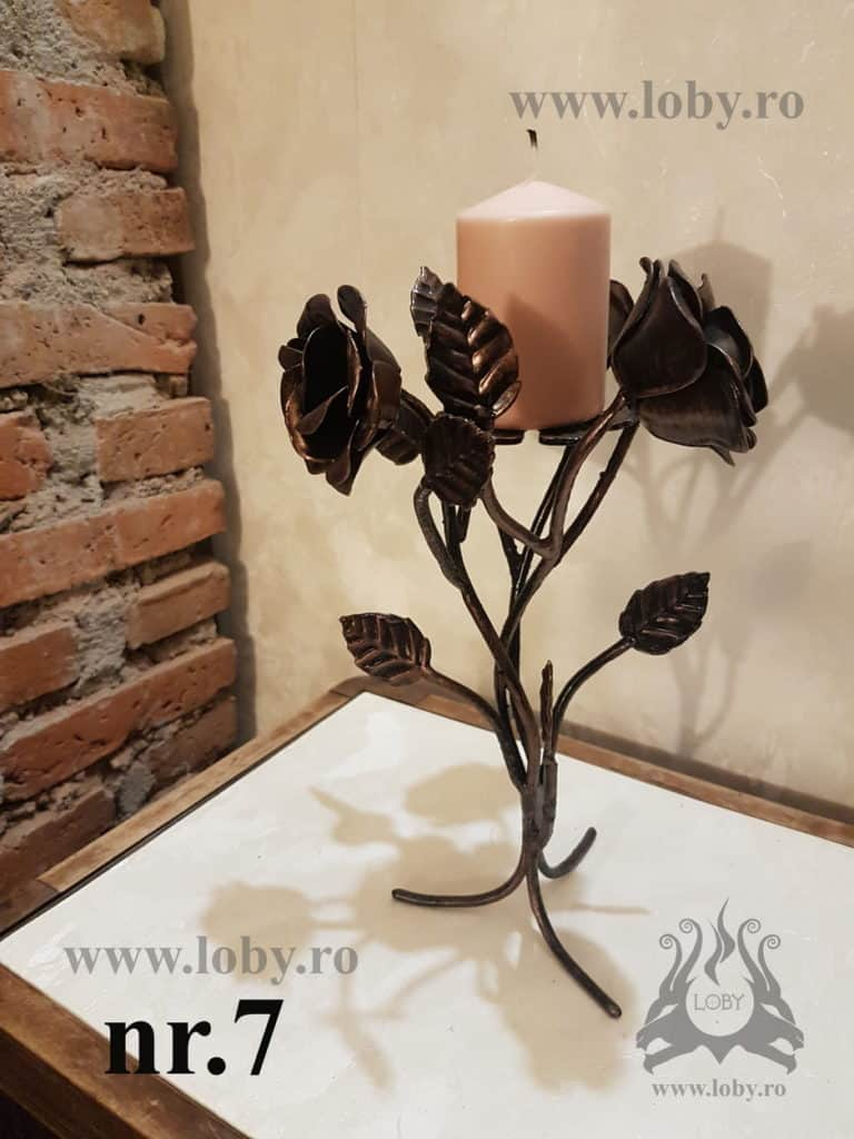 Suport lumanare cu trandafiri din fier forjat