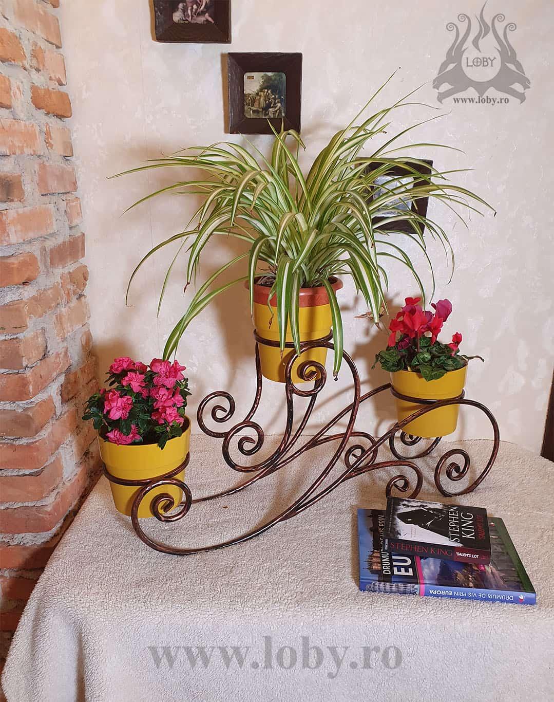 Suport flori din fier forjat rotund cu flori